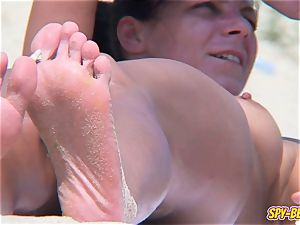 nudist amateur CloseUp shaven coochie well-lubed bumpers voyeur