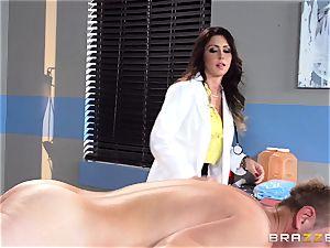 succulent doc Jessica Jaymes relieves her throbbing patient