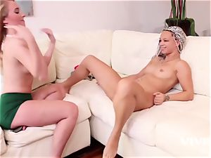 teenage Harley Jade and Ashley Luvbug shows Scissor act