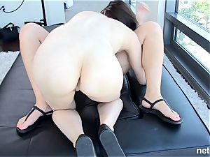 gorgeous girls fuck together