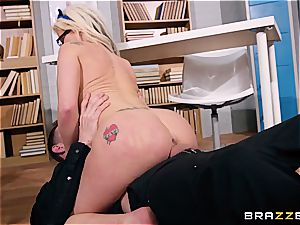 brit ditzy Barbie Sins does some additional credit oral examinations