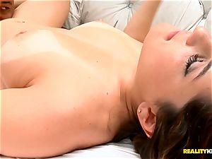 Going deep into uber-sexy latin Agatha