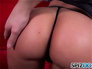 Spizoo - watch Kimberly Kendall humping a meaty rod