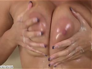 sensuous Jane urgently needs a fellow that he pummeled her
