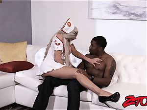 hotty Nina Elle nursing bbc with cooter and suck off