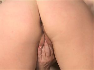 Taylor Vixen gets in the mood to satiate her gash