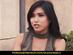 SCAM ANGELS - Melissa Moore and warm mates in four-way