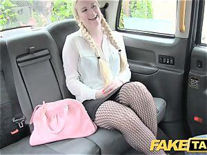faux cab blonde loves older dudes in backseat of cab