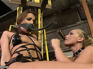 Andy dark-skinned and Kathia Nobili bind and adorning of facehole