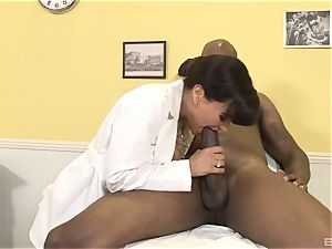 Lisa Ann fabulous mummy doc