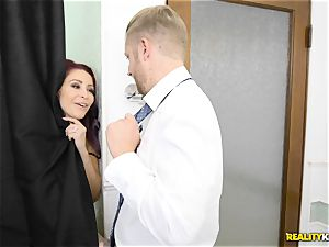 Latina maid Katya Rodriguez bud joys with Monique Alexander