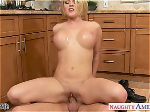 Krissy in the kitchen gargle and humps until his man sausage erupts
