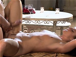 India Summers India Summers is liking the meaty chisel pleasuring her super-fucking-hot vulva har