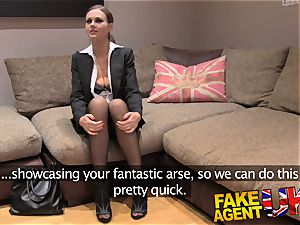 faux Agent UK european babes peachy culo fingered and fucks