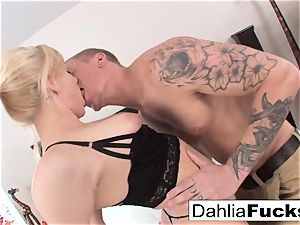 xxx hook-up on a large couch with Dahlia Sky and Richie ebony