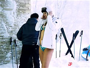 Playful skier Nikky fantasy takes her trainer's spear in the snow