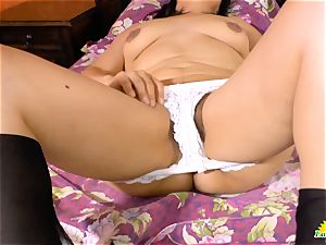 LatinChili super-sexy funbags of Anabella beaver playing