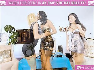 VR pornography - Alexis Seducing Her friends to Have a super-hot hook-up