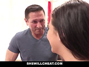 SheWillCheat cheating girlfriend Karlee Grey humps Trainer