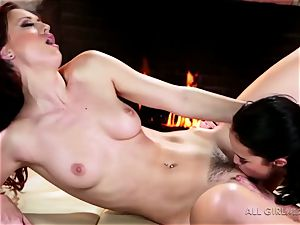 Karlie Montana and Megan Rain amazing facesetting and climax