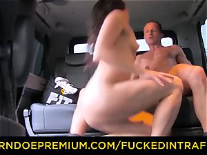 nailed IN TRAFFIC - Czech babe cheats her bf in taxi
