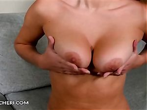 Bonnie Shai Plays With Her trimmed cooter