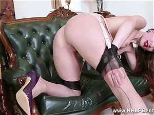 stunner unclothes to nylons heels to fucktoy her puss