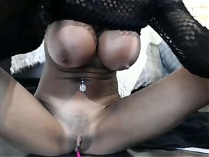 Persian milf Wants You to see While draining