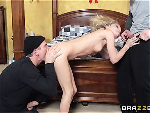 filthy three way for Christmas angel Kota Skye