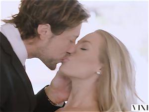 VIXEN Nicole Aniston Surprises Her boyfriend With warm fuckfest