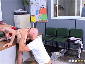 scorching boss Anna Bell Peaks rails her employees man meat