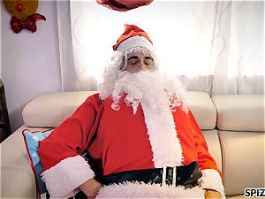 Spizoo - see Jessica Jaymes boning Santa Claus