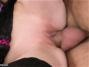 A hefty chisel is just what Gitta blond needs to satisfy her cooch